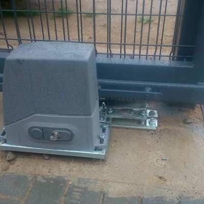 stumdomų vartų automatika LIFE ACER 4 iki 400 kg