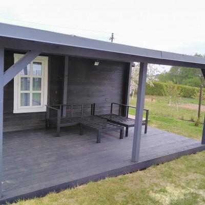 Maumedžio terasa su stogeliu